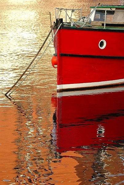 Red Ripples by phillips