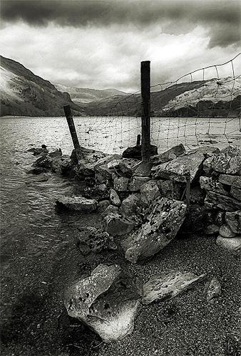 Stone Wall, Llyn Gwynant by rojo-uk