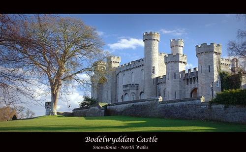 Bodelwyddan Castle by mint