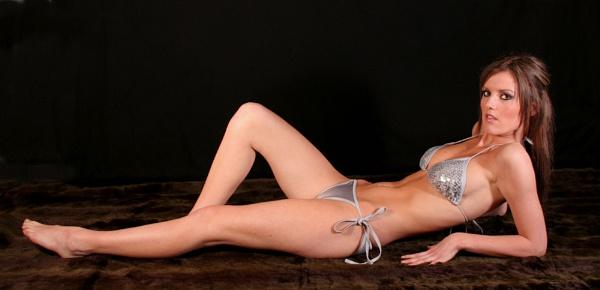 Bikini Mel by MoWiz