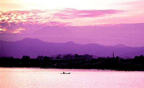 Sunrise over Borneo by GDobson