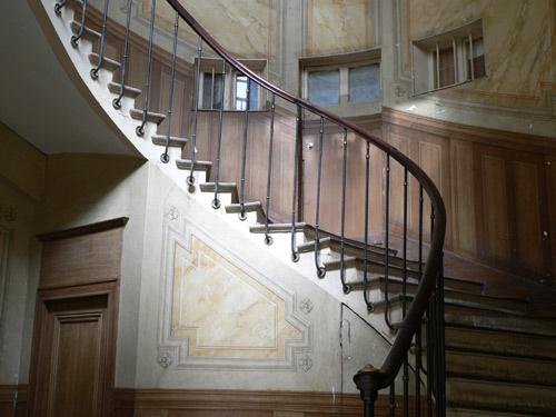 Paris stairwell by KingBee