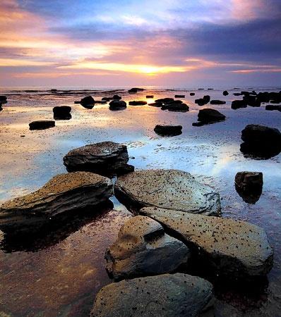 Saltwick Dawn by stinky_pete