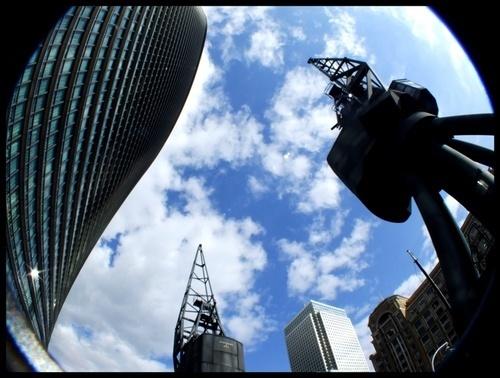Looking up at Canary Wharf by iainpb