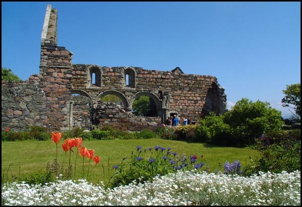 Ruins by motman