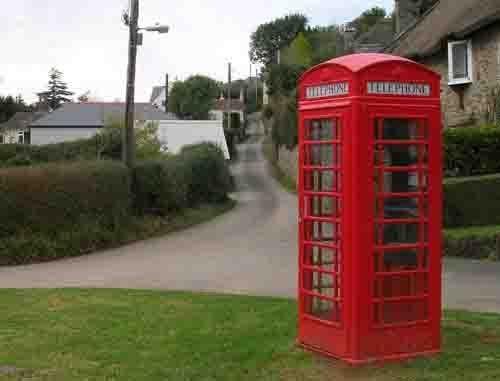 red phone box by irweazel
