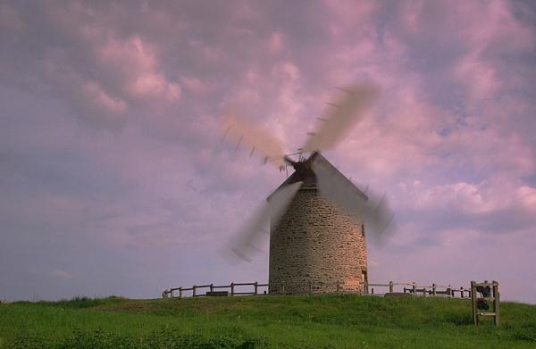 Moulin  à Vent by conrad