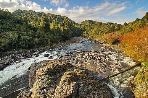 Whakapapa River by menameisatsushi