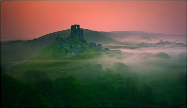 Corfe Castle by den2il