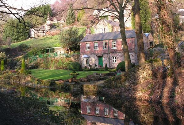 picture postcard cottage by Gazzten