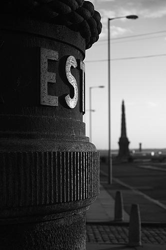 Est by ericfaragh