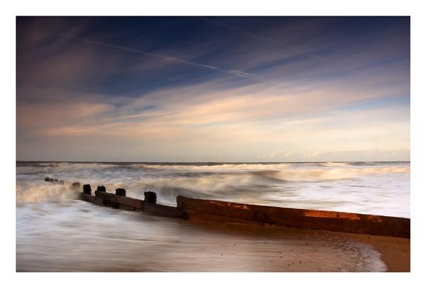 Stormy seas by katieb