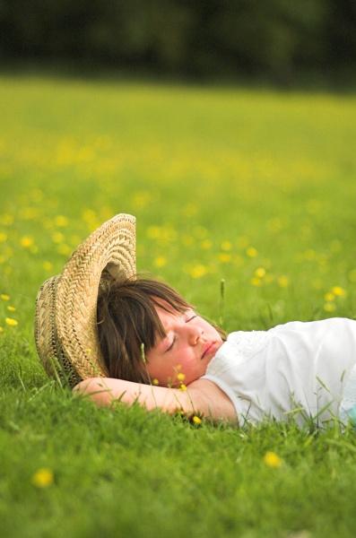 Laying in the Sun by redbulluk