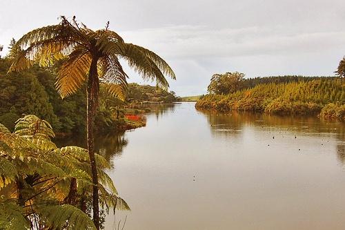 Lake Mangamahoe by menameisatsushi