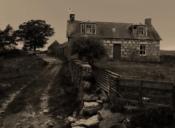 Old Farm by motman