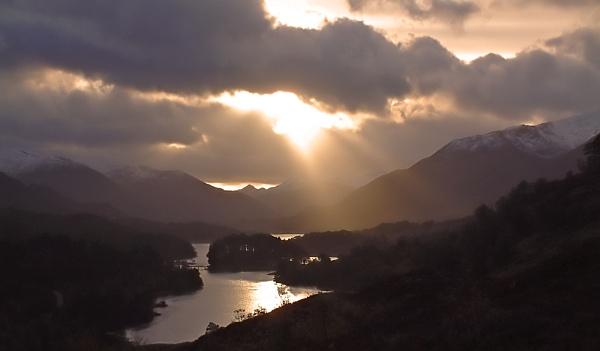 Loch Affric by motman