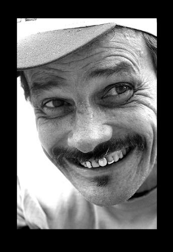 Cuban smile by DIGILUX