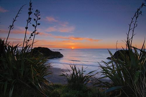 Sunset at Back Beach by menameisatsushi