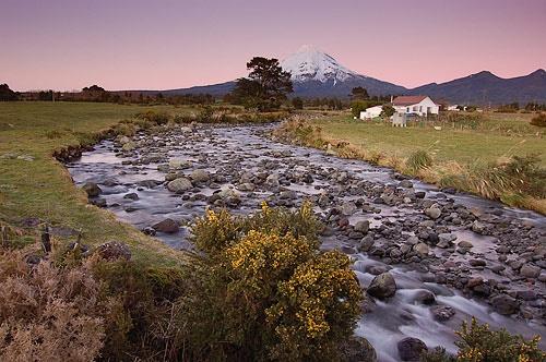 Upper Waiwhakaiho River (take 2) by menameisatsushi