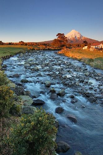 Upper Waiwhakaiho River 3 by menameisatsushi