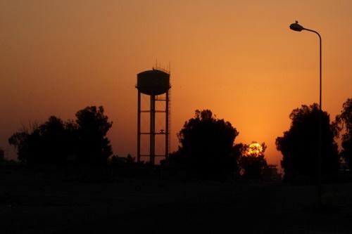 Sunrise Somewhere in Iraq by eskimo_soldier