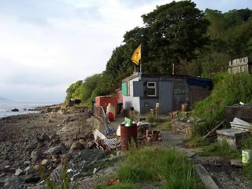 Beach hut by Rab_H