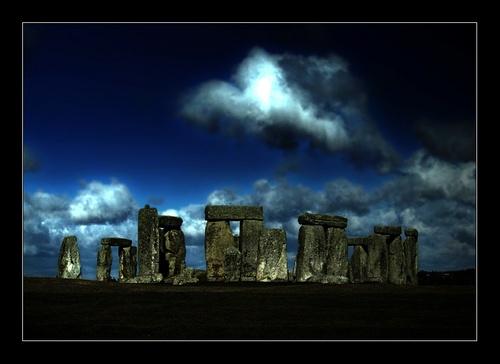 Spooky Stone Henge by almar_digital