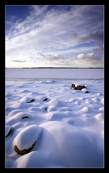 Frozen shore by denka