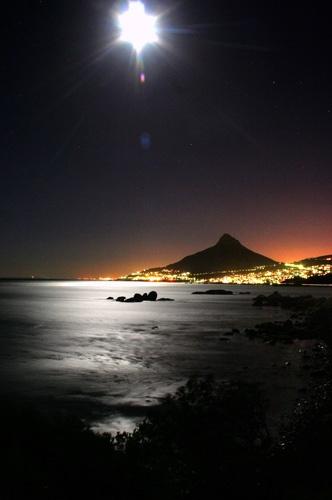 Moon Light by leons_photos
