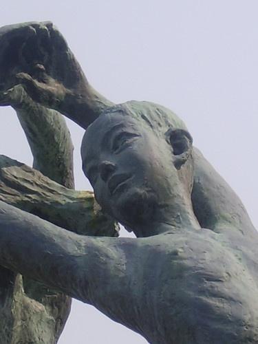 Yokohama Statue by EMMA1