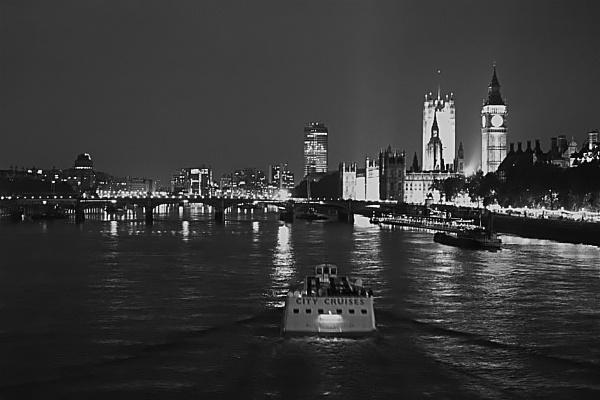 London at night by ODub