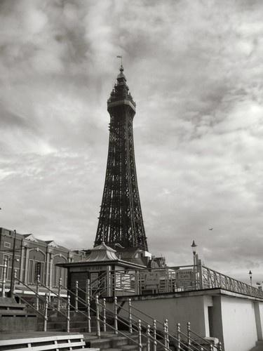 Blackpool Towers Interesting sky by chensuriashi