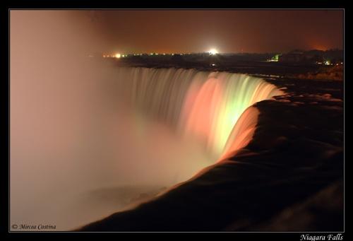 Niagara Falls by mirceax