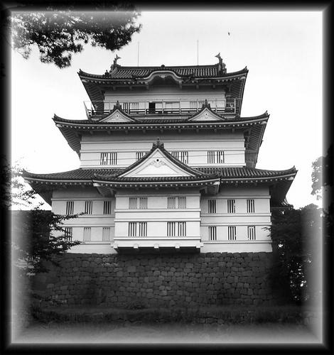 Odawara Castle (b&w) by EMMA1