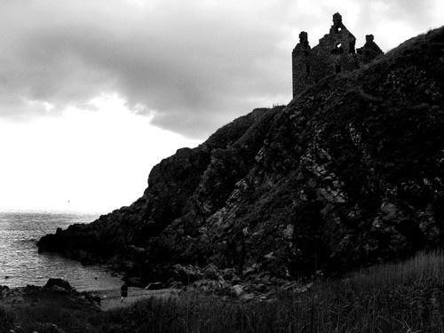 Dunsky Castle by redrosechain