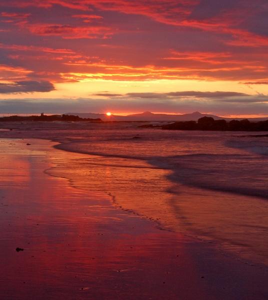 Red Sky by motman