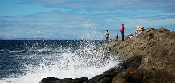Rough Sea Fishing by motman