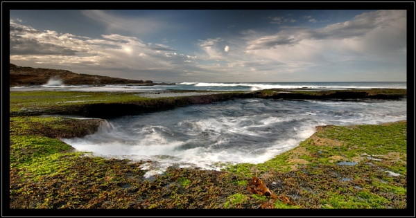 Rock Shelf Morning Shot by Robsterios