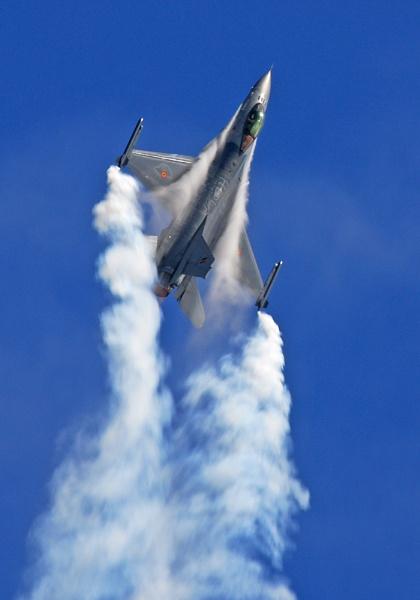 F16 by kenbishop