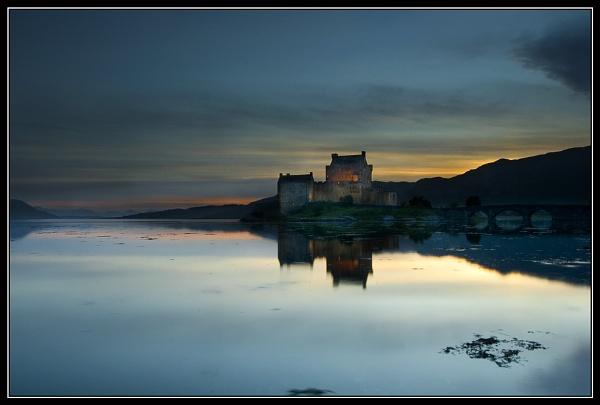 Eilean Donan by smourt