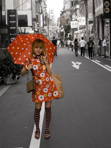 Osaka Red Girl by bentspace