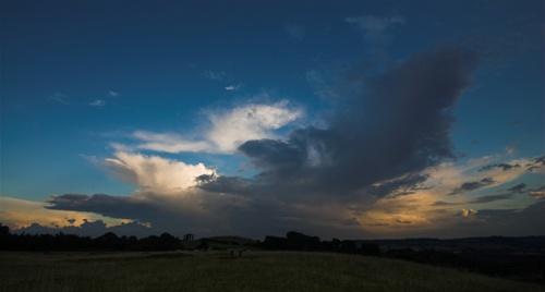 Burton Dasset Sunset by NikLG