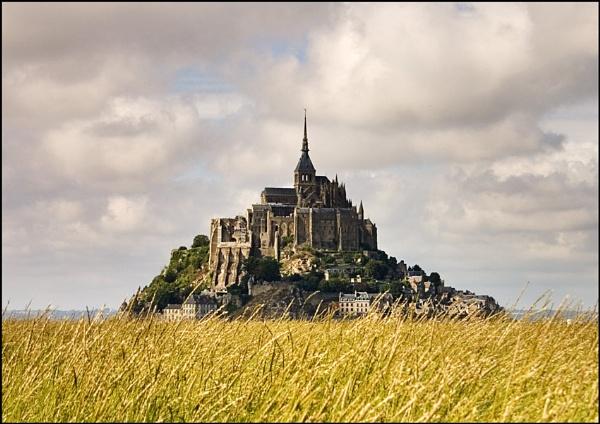 Mont Saint Michel by christabella