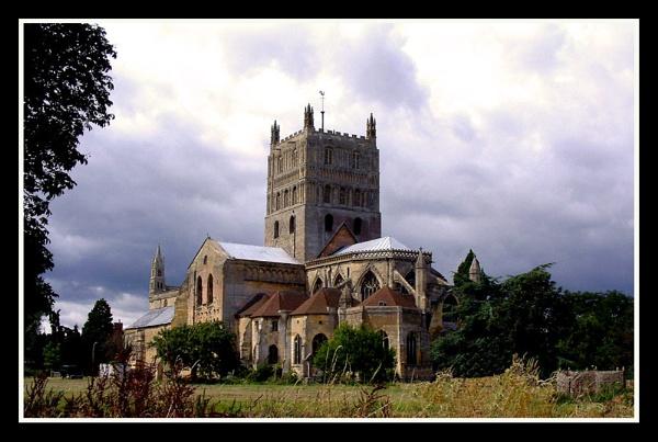 Tewkesbury Abbey by hattrick