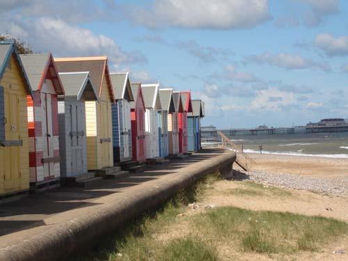 Beach huts in Cromer by Han_R