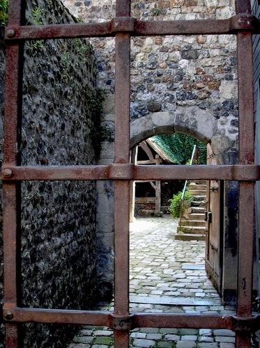 Unwelcome by Eiginta