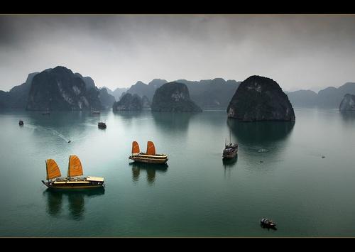 Ha  Long Bay by Keelo