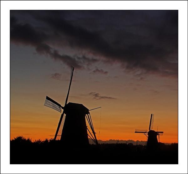 Dutch Dusk by conrad