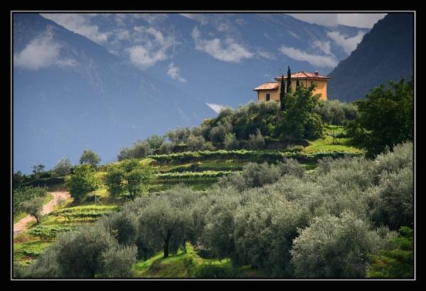 La villa sulla collina by ChazB