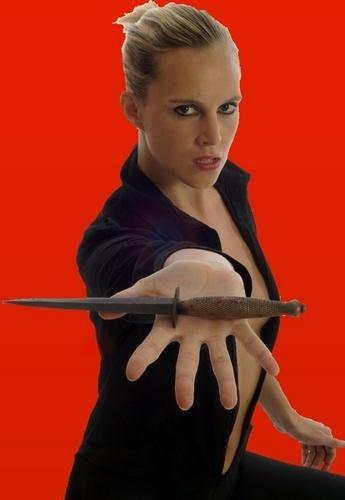 Joceline with knife by dudler